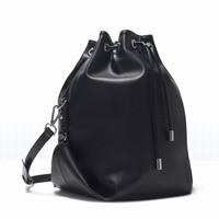 探偵の探偵 北川景子のバッグ