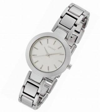 西内まりやさんの腕時計 ブランドや販売ショップ ドラマやCM ホテルコンシェルジュ